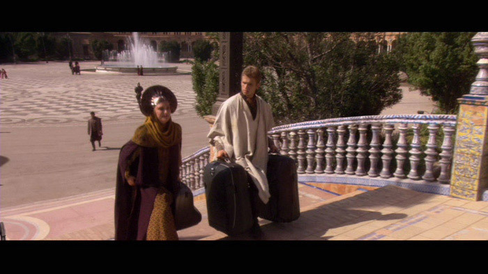 Episode-II-Arrival-on-Naboo-Meeting-the-Queen-anakin-and-padme-11269608-700-394