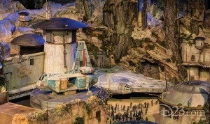 D23-Star-Wars-Land-Model-3-600x356