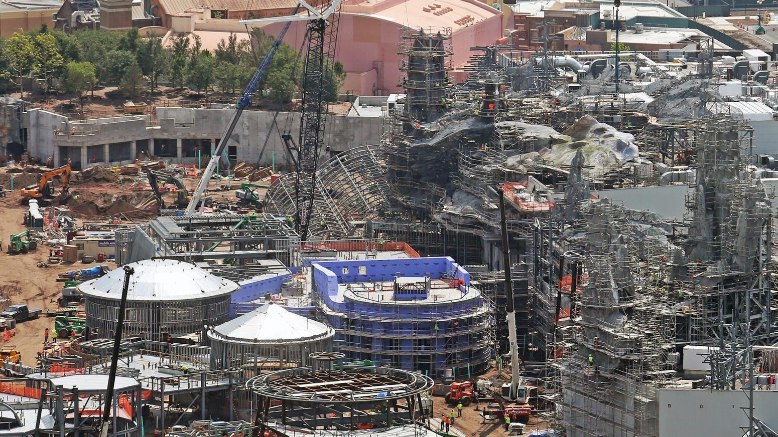aerial-star-wars-galaxy-edge-construction 2